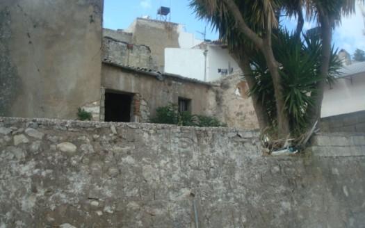 Maison traditionnelle à rénover à Agios Myronas