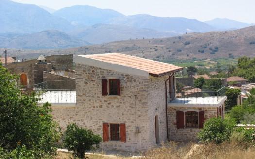 Maison traditionnelle rénovée de 150m2, à Apostoli, Kastelli, Héraklion