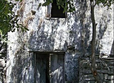 Maison de 78m2 à rénover à Chouméri