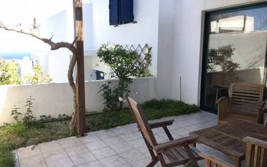 Appartement avec 2 chambres et vue fantastique sur la mer à Plakoti.