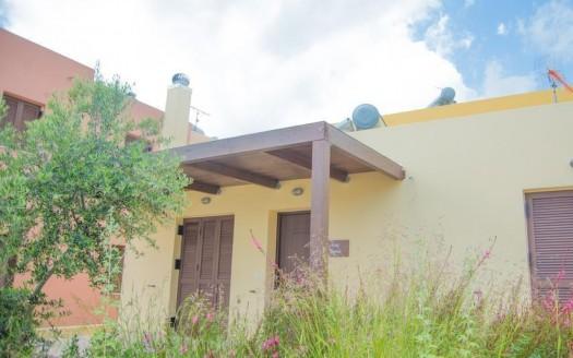 Maison individuelle dans un complexe populaire à Exopoli.