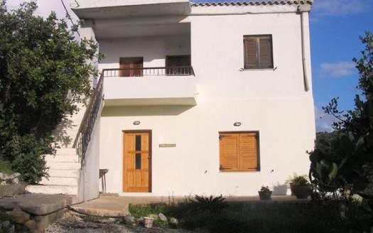 Maison à étages avec vue sur la mer à Triopetra